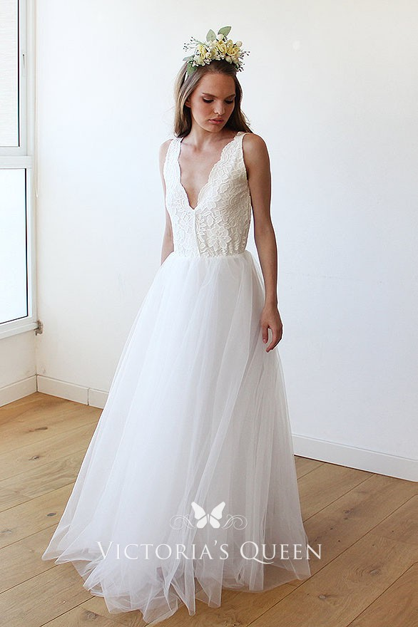 Informal Wedding Dresses.Floor Length Ivory Scalloped Plunging Lace And Tulle Informal Wedding Dress