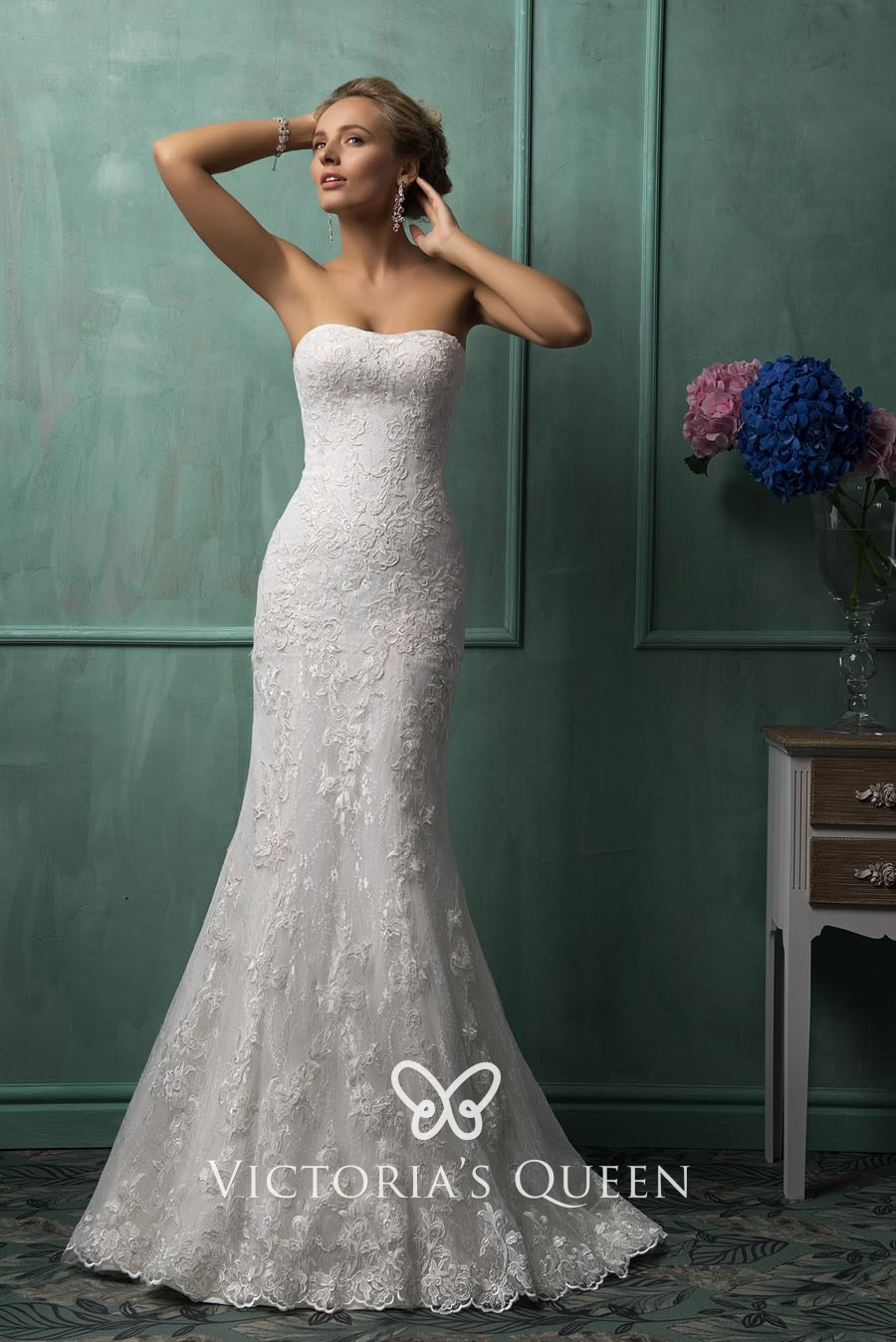 Simple Off White Lace Strapless Mermaid Wedding Dress
