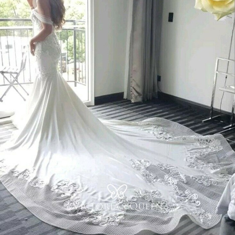 White Wedding Dress Queen Victoria: White Lace & Spandex Wedding Dress With Cathedral Train