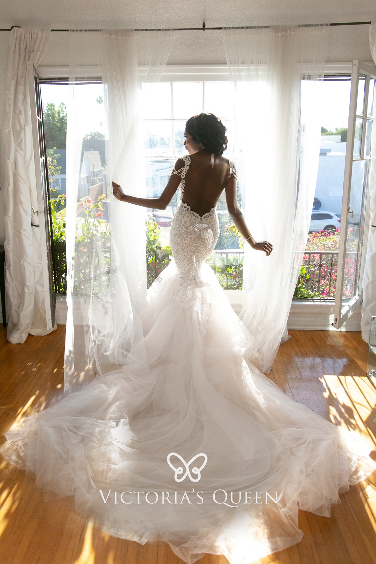 Open Back Royal Train Lace Tulle Modern Wedding Dress Vq