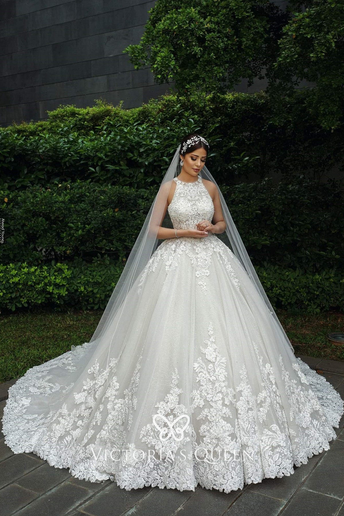 Halter Neck Lace Tulle Princess Wedding Ball Gown Vq