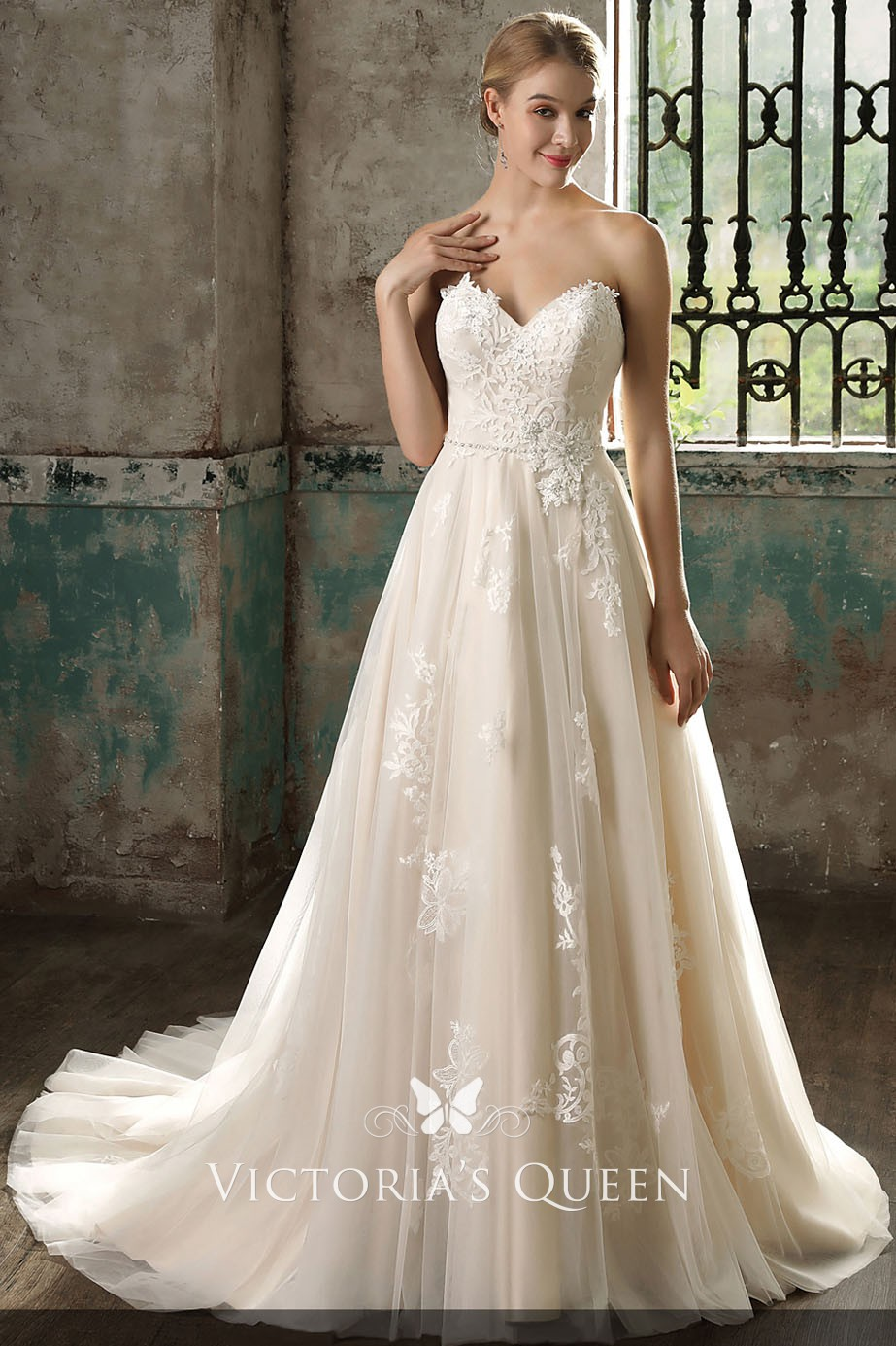 Delicate Lace Appliqued Champagne Tulle Wedding Dress Vq