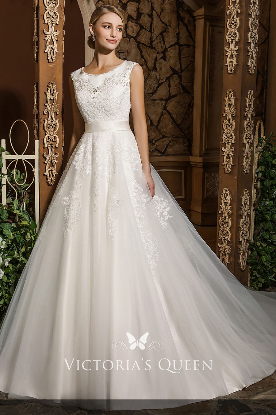Classic Scoop Neck Ivory Long Ball Gown Wedding Dress