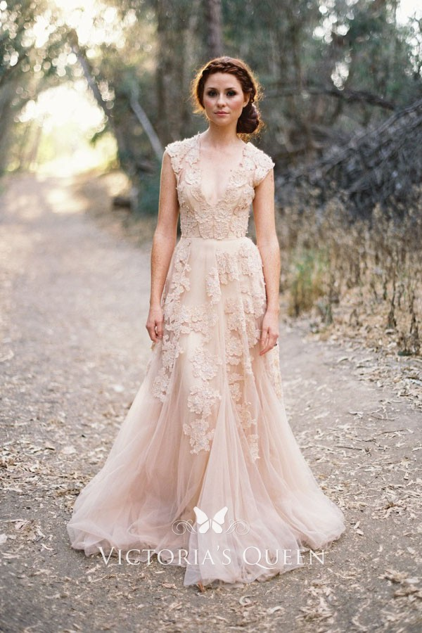 Vintage Blush Lace Appliqués Plunging V Neck Trumpet Tulle Wedding