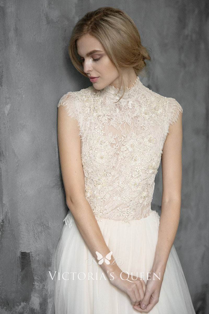 High Neck Wedding Dress.Vintage High Neckline And Cap Sleeves Beige Lace And Tulle Wedding Dress